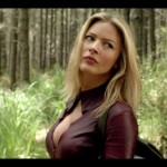 head-turned-back-cara-tabrett